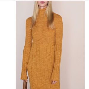 ELIZABETH and JAMES Wool sweater dress size Small